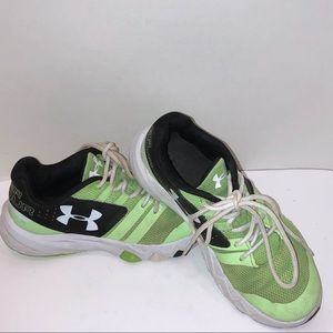 Youth UNDER ARMOUR runners
